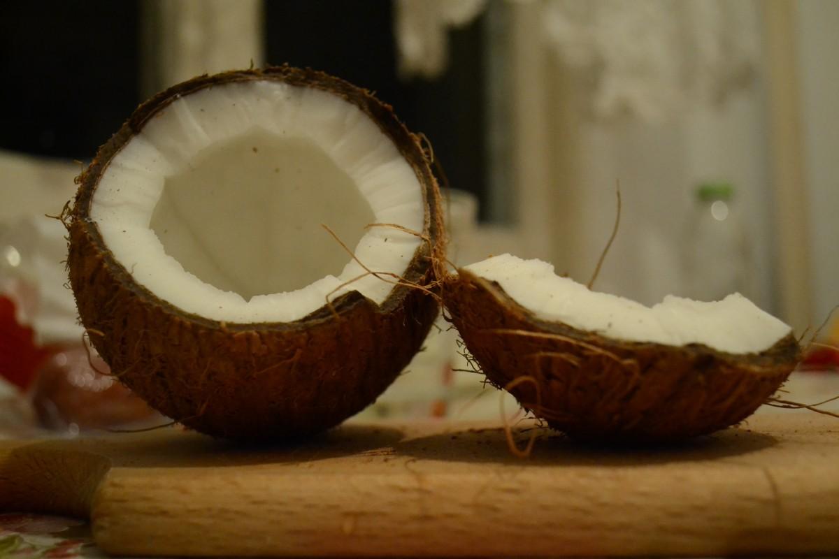 Cuisiner avec de l'huile de coco : quelques bienfaits pour la santé
