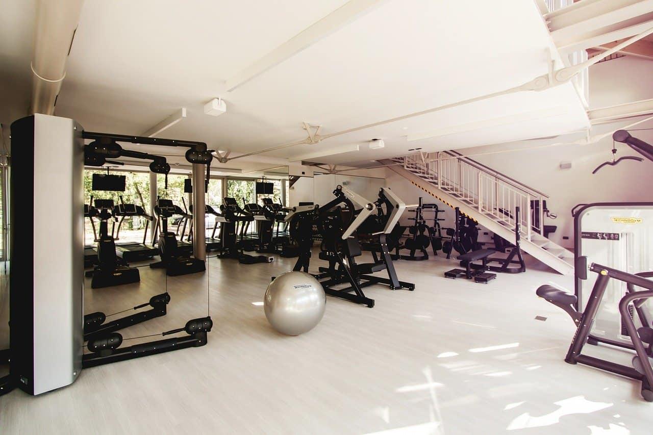 Une salle de sport équipée